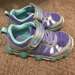 Stride rite girls light up tennis shoes